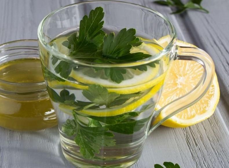 maydanoz suyu faydaları