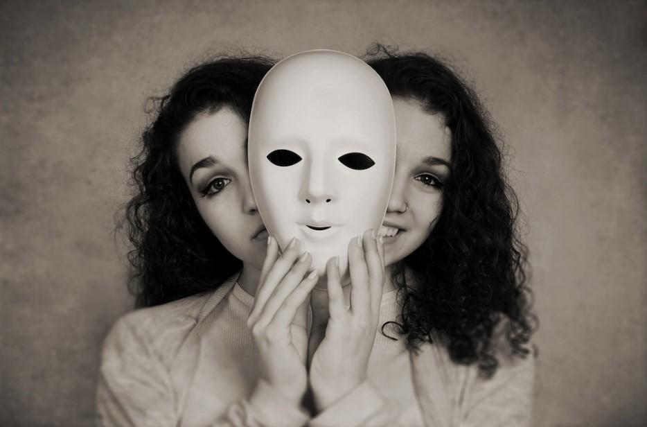 dissosiyatif kimlik bozukluğu